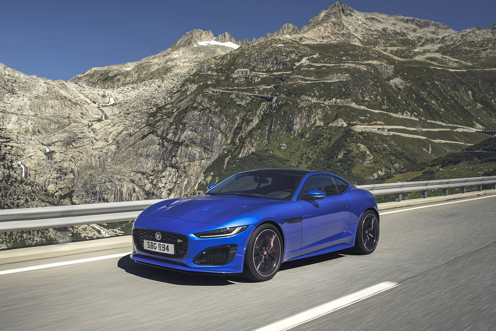 f_type_coupe_98188.jpg - 2.0 P300 R-Dynamic 2dr Auto